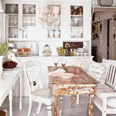 shabby chic kitchen farmhouse decor ideas, more on DagmarBleasdale.com