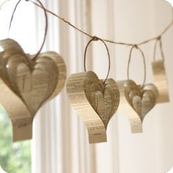 newspaper Valentine's Day hearts garland, easy crafts