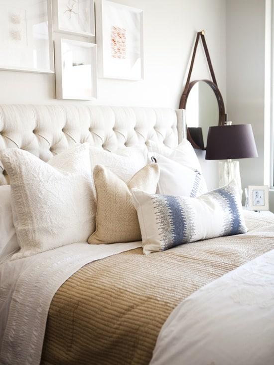 Dream bedroom: white bedroom decor and wall decor