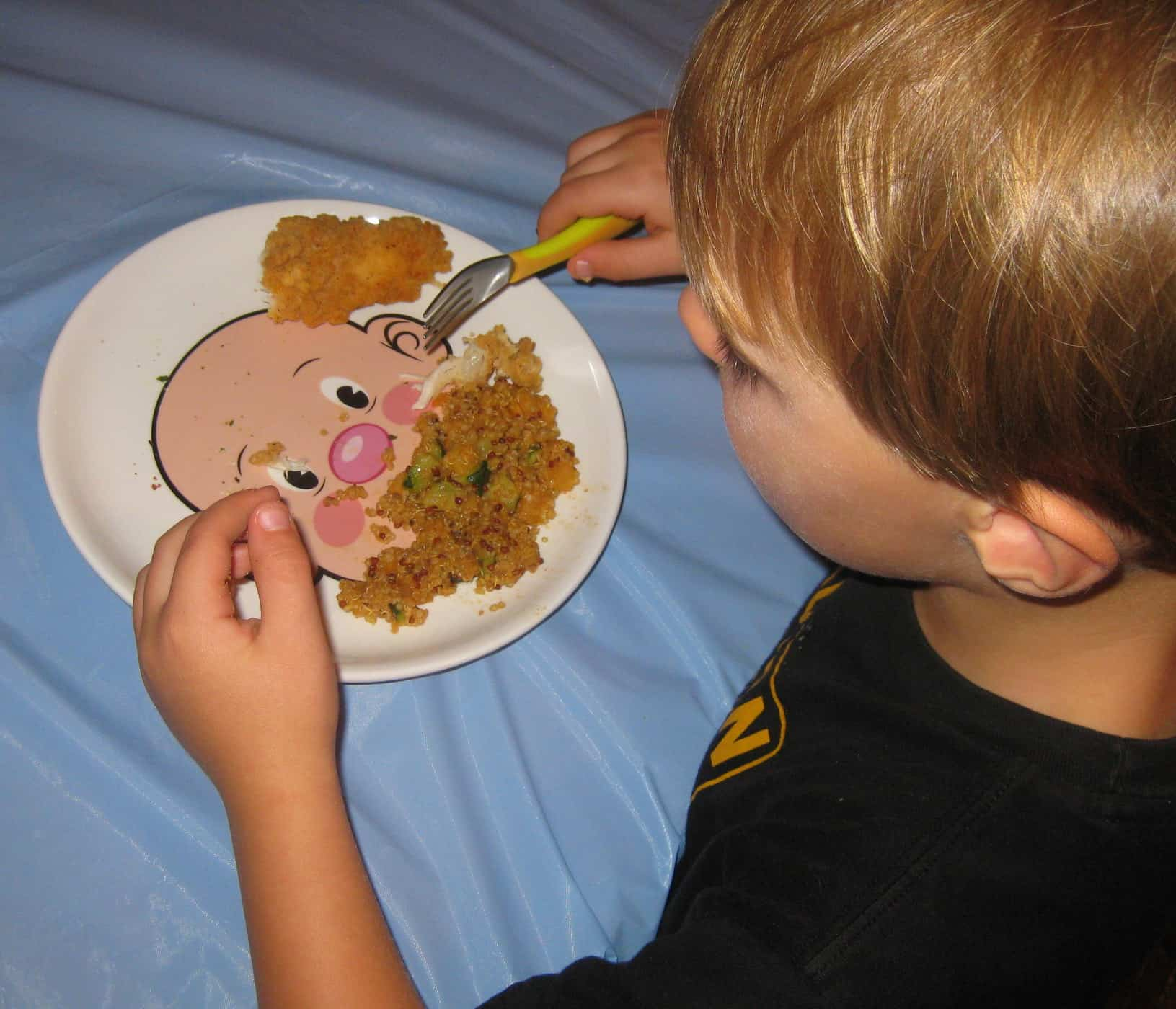 Food Face Plate Helps Picky Eaters
