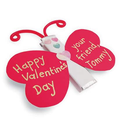 Valentine with gum stick DagmarBleasdale.com: 10 Easy Valentine's Day Crafts For Kids https://www.dagmarbleasdale.com/2012/01/10-cute-and-easy-valentines-day-cards-and-crafts-for-kids/