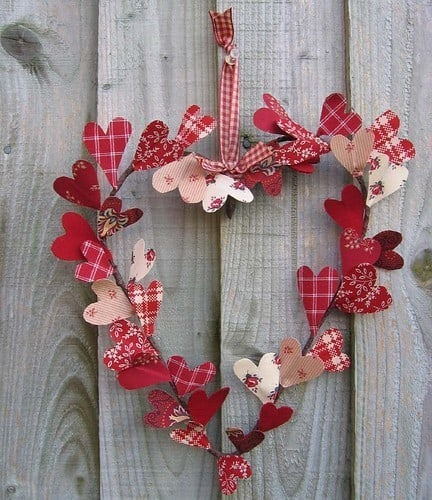 Valentine's Day DIY heart wreath with fabric hearts