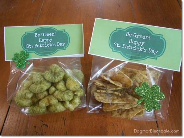 Healthy St. Patrick's Day snack with printable bag topper, DagmarBleasdale.com