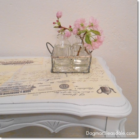 Dagmar's Home: DIY Mod Podge table with vintage letters