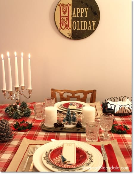 Easy Christmas Table Setting