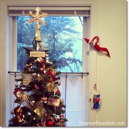 Wordless Wednesday Linky: Elf on the Shelf