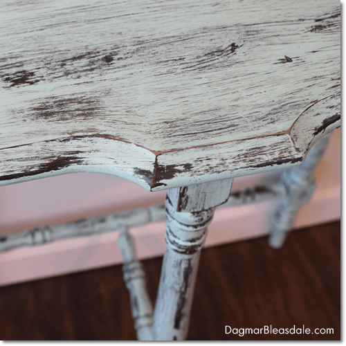 turquoise chalkpaint on brown table