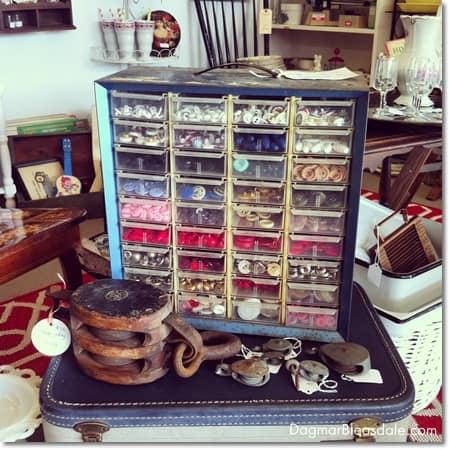 vintage finds: vintage metal box with vintage buttons