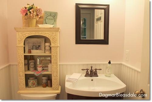 cottage decor bathroom