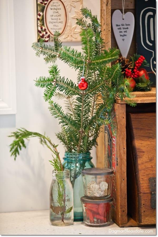 easy Christmas cottage decor ideas