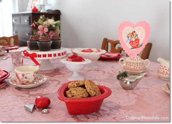 Valentine's Day tablescape, DagmarBleasdale.com