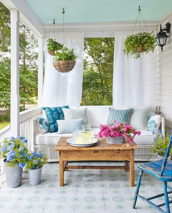 porch decorating ideas for spring, DagmarBleasdale.com