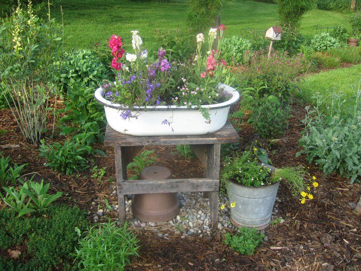 cottage garden ideas, enamel pot