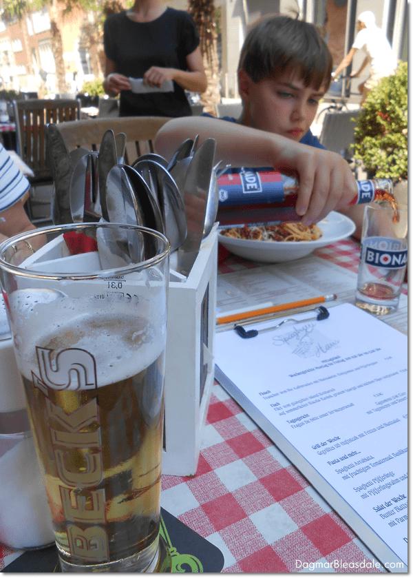 eating in Bremen, Germany