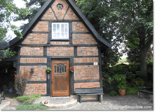 antique tiny house farmhouse, Spieker