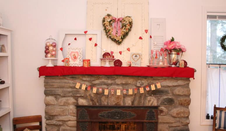 DIY Valentine's Day Banner With Playing Cards
