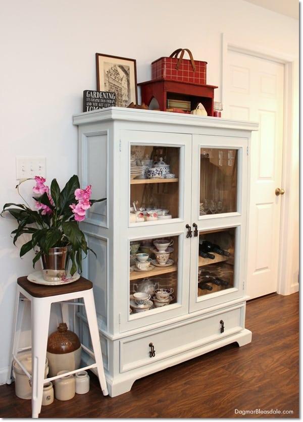 easy tutorial refinishing furniture paint, DagmarBleasdale.com