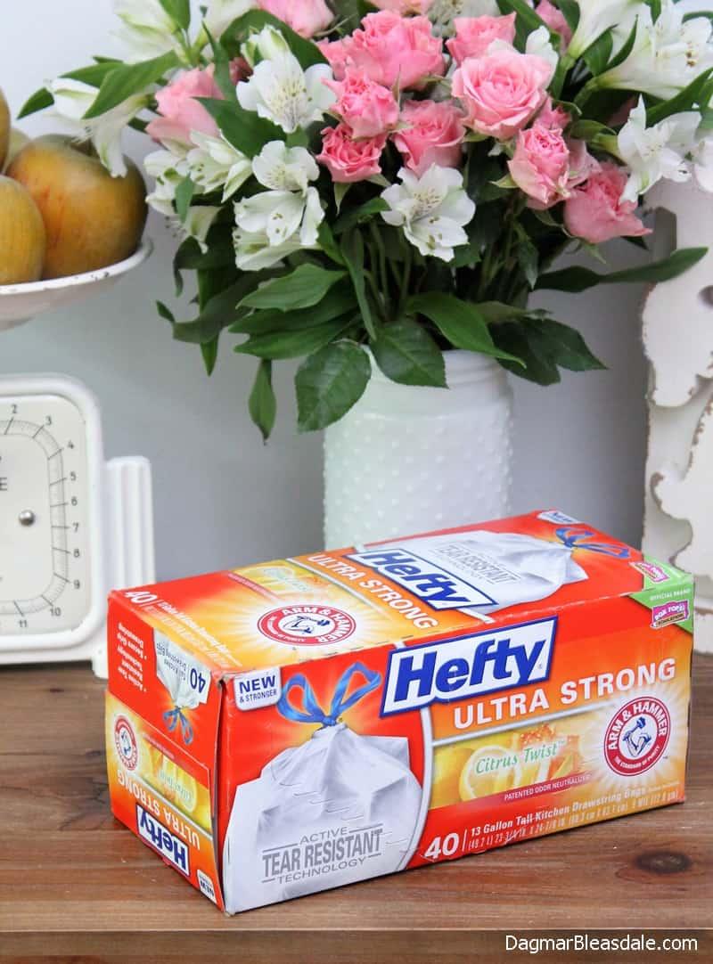 Hefty® Ultra Strong™ trash bags, Strong moms raise self-confident kids. DagmarBleasdale.com