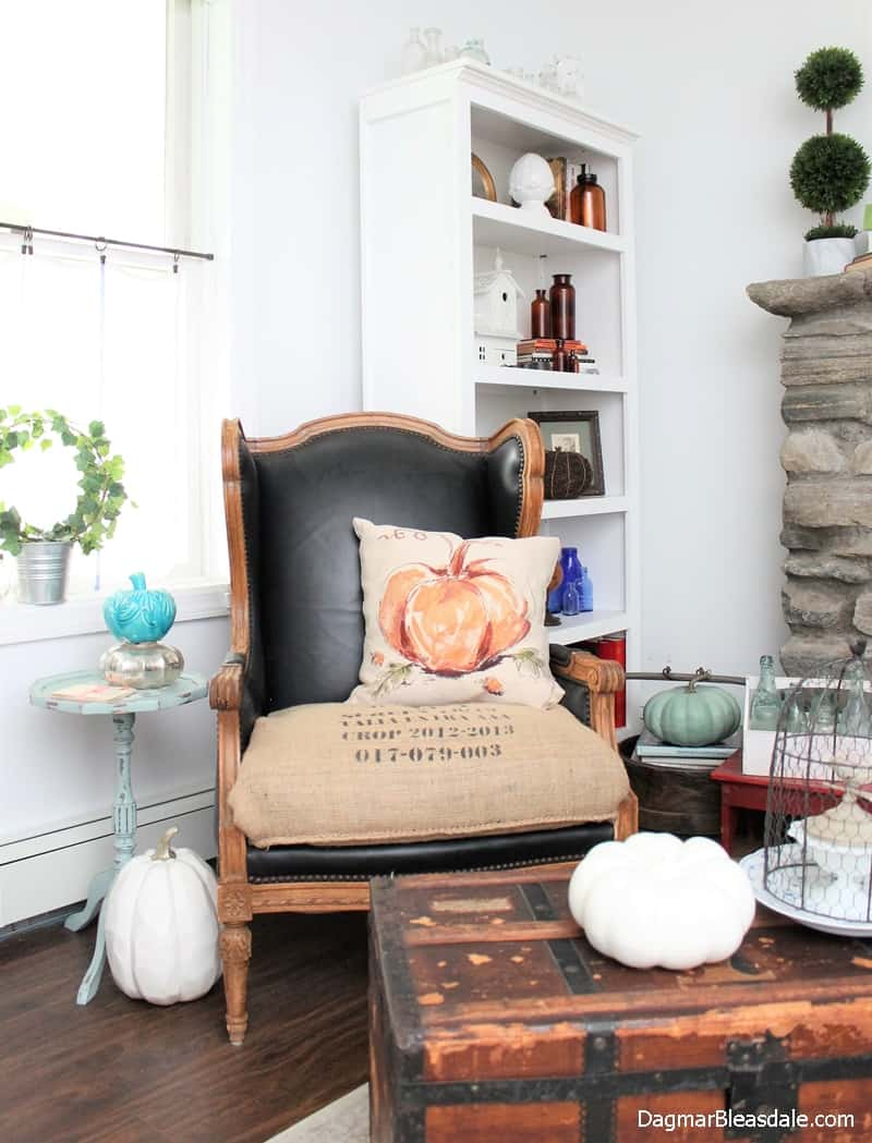 Blue Cottage Fall Home Tour 2017, DagmarBleasdale.com