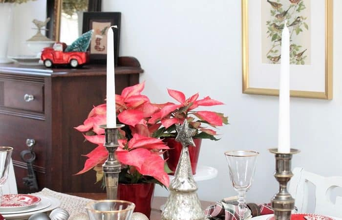Red and Metallic Tablescape Christmas Decor