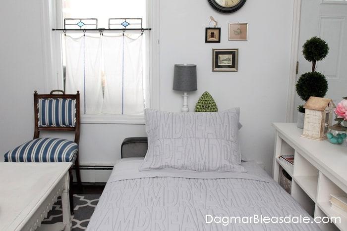 Novogratz Vintage Tufted Sofa Bed For Under 500 Dagmar