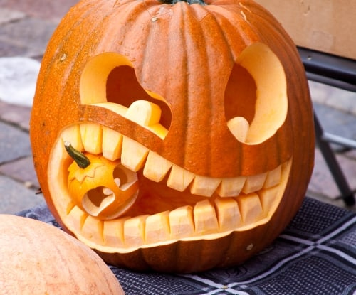 easy DIY Halloween decorations, pumpkin in a pumpkin Jack-o'-lantern
